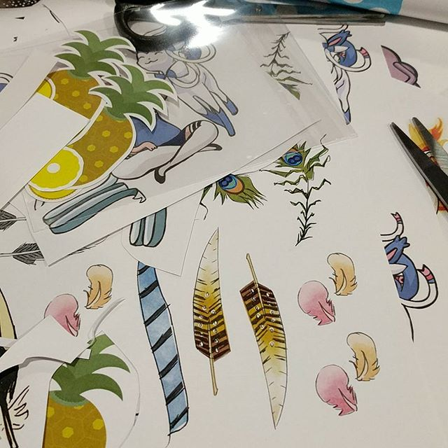 Making up some last minute sticker packs! They seem to sell well #sunnycon #stickers #illustration #feathers #pineapple #conlyfe