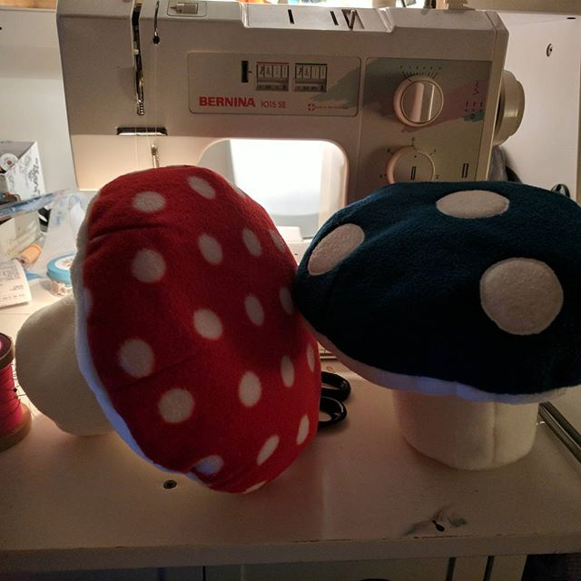 My weekend ️ two more mushrooms for a UK buyer on Etsy, a lil organisation, a bit of kotatsu making and a snip of FFIX 😀 busy!#mushroom #plushie #busy #sewing #woodwork #ffix #mushroomlyf #etsy